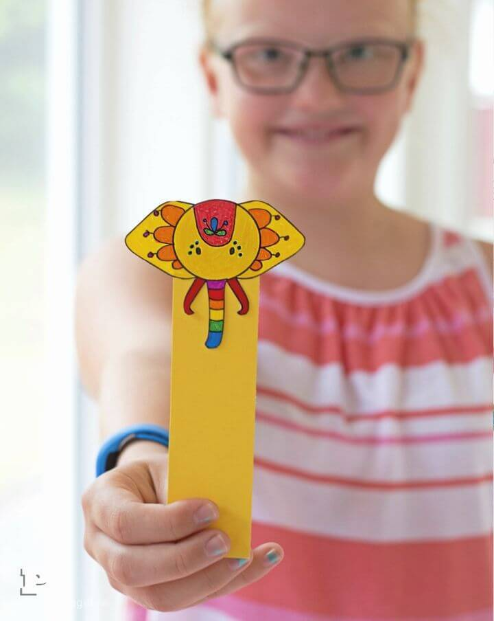 Make Your Own Elephant Bookmarks for the book lovers in home or in neighbor hood, will be super easy and quick to make