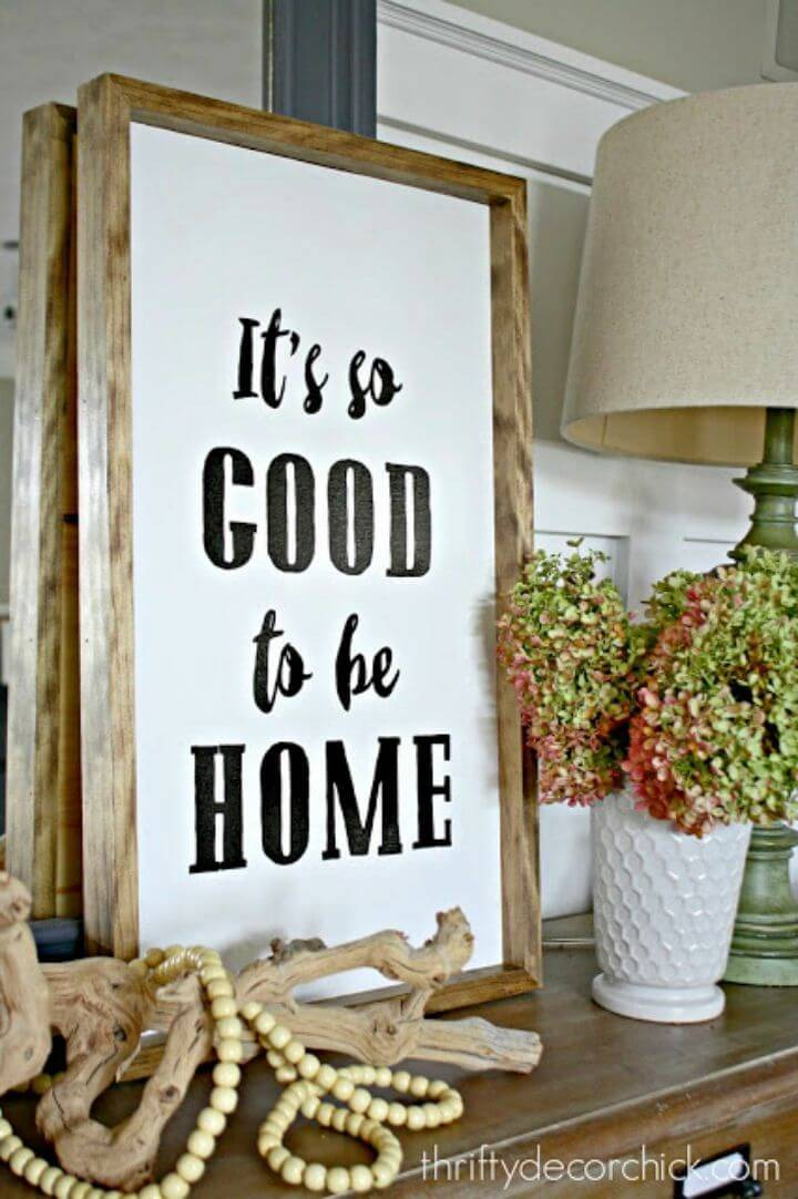Quick DIY Hand Lettered Signs, say custom words to home audience by making these hand lettered wood wall signs!
