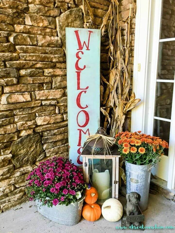 "Quick to Make Welcome Sign, paint the bigger wood planks and write ""WELCOME"" letters on them and make lovely welcome porch signs!"