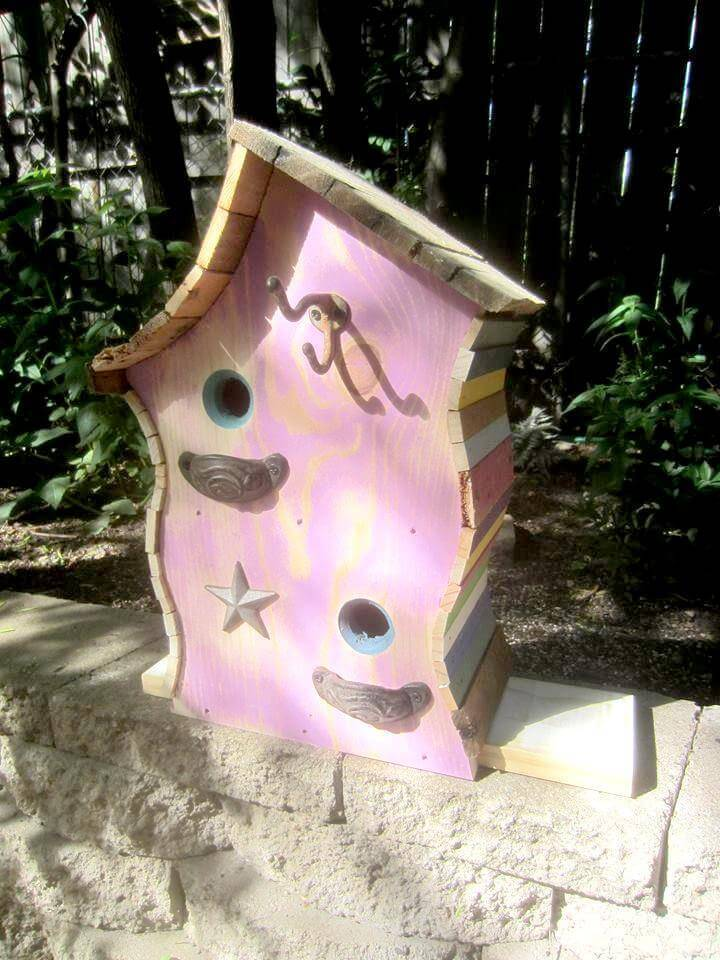 Wooden pallet bird house