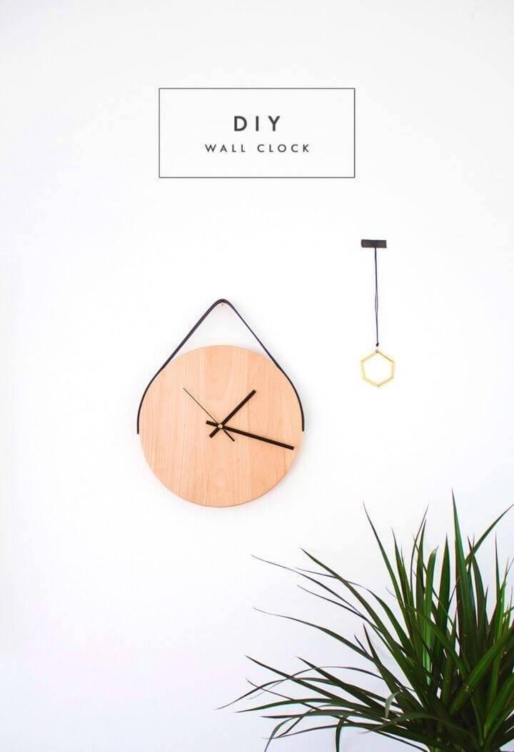 Affordable DIY Wooden Clock