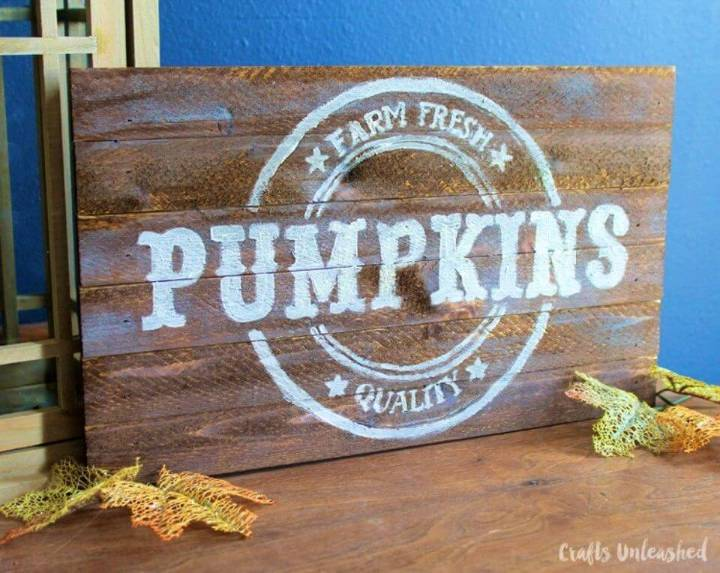 DIY Autumn Pumpkins Pallet Sign