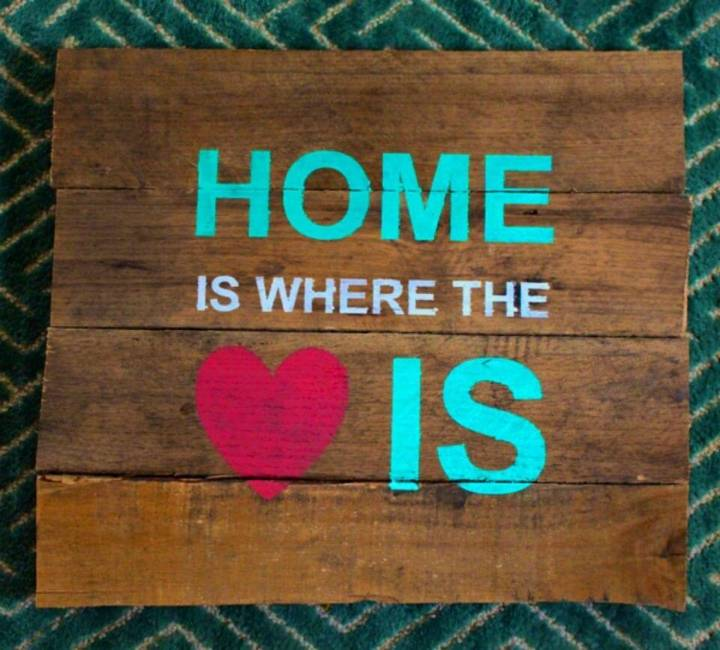 DIY Stencil a Pallet Sign and Free Cut File