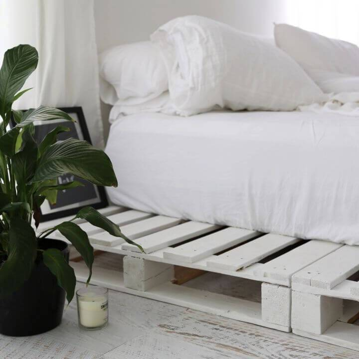 How to Build a Pallet Bed for Your Bedroom