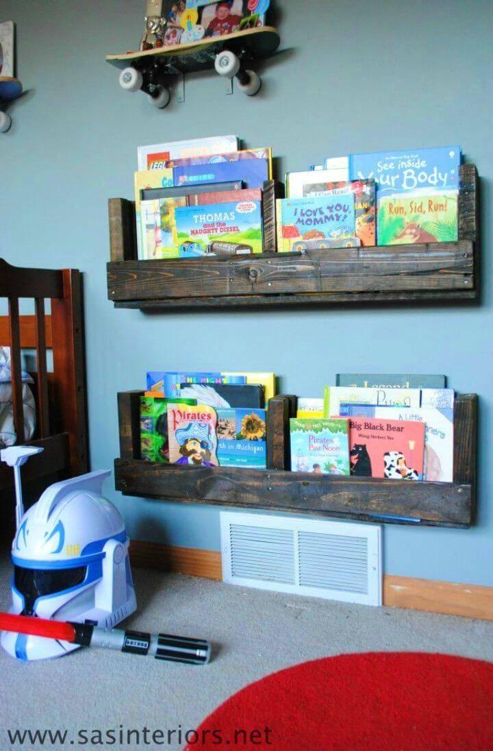 How to Make a Pallet Bookshelf 1