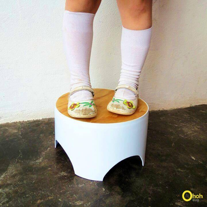 Recycle Plastic Bucket Into Small Stool for Children