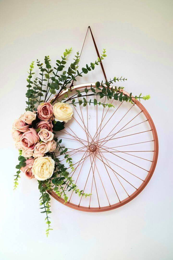 Recycle an Old Bike Frame Into a Wreath
