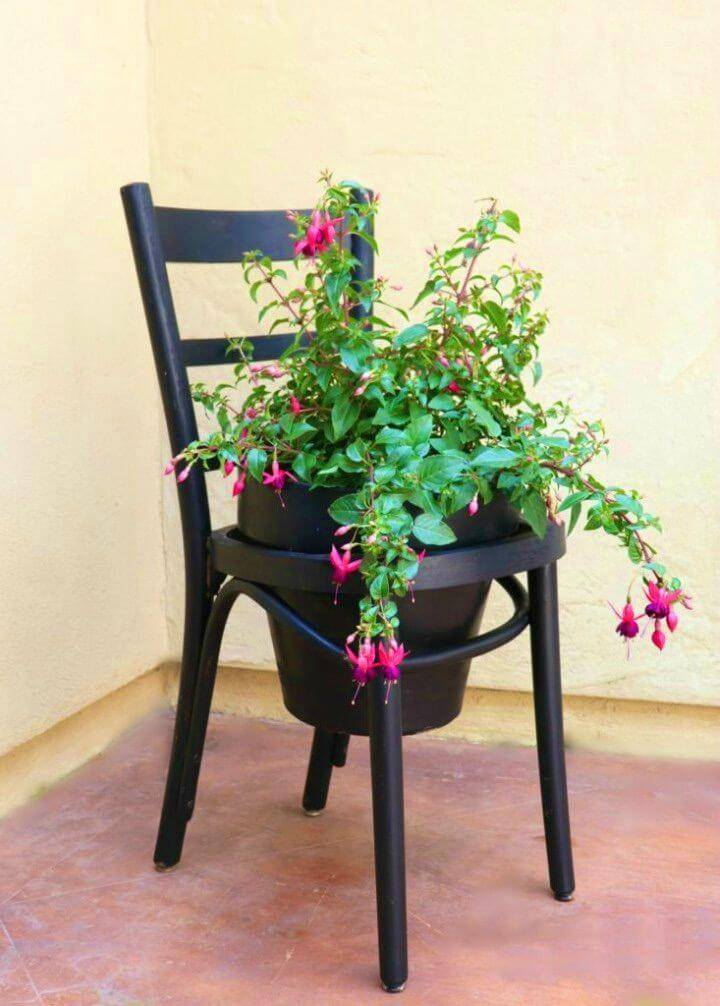 Simple DIY Terra Cotta Pot Chair Planter