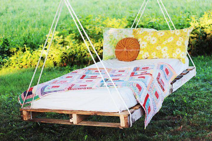 Awesome DIY Pallet Swing Bed