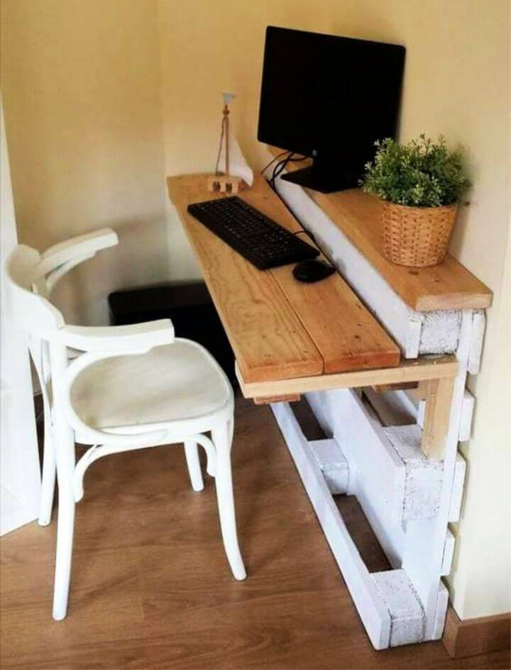Computer Desk from Pallets
