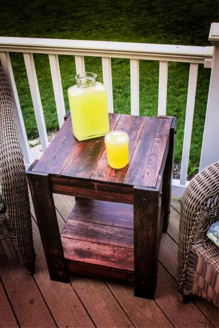 DIY Pallet End Table