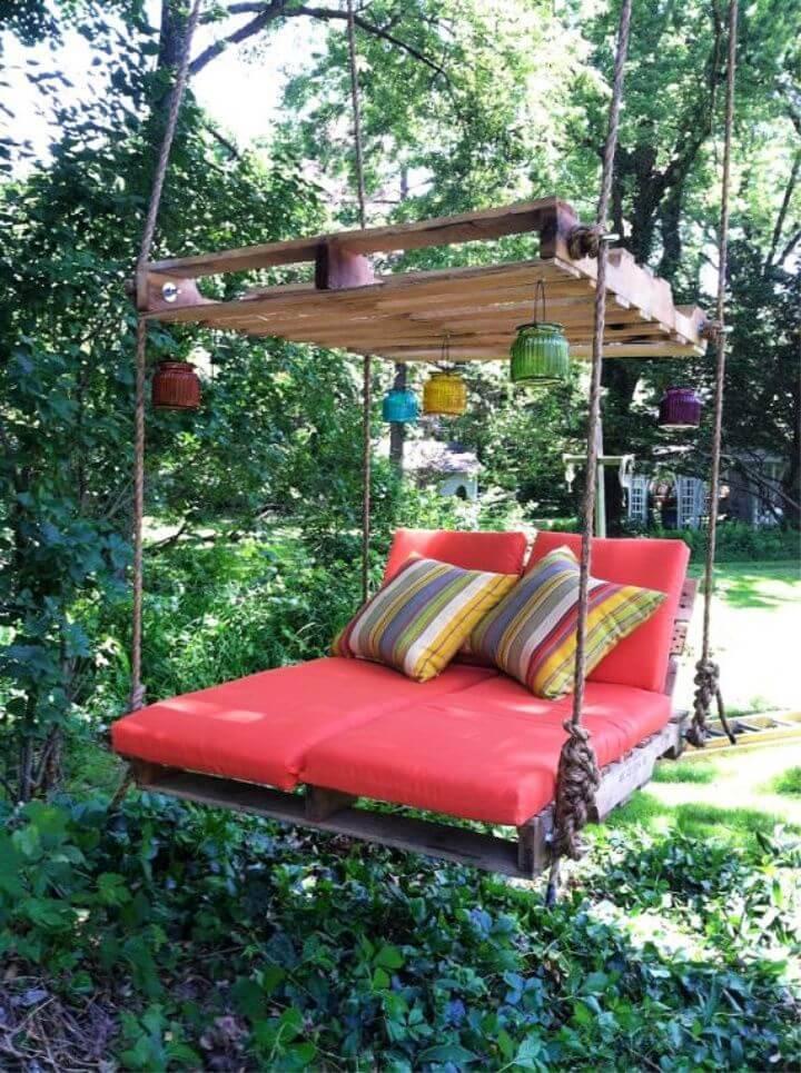 DIY Pallet Lounge Tree Swing