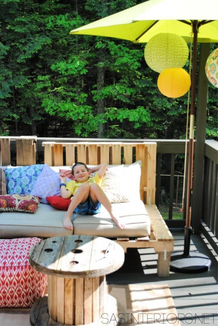 How to Build Outdoor Pallet Sofa
