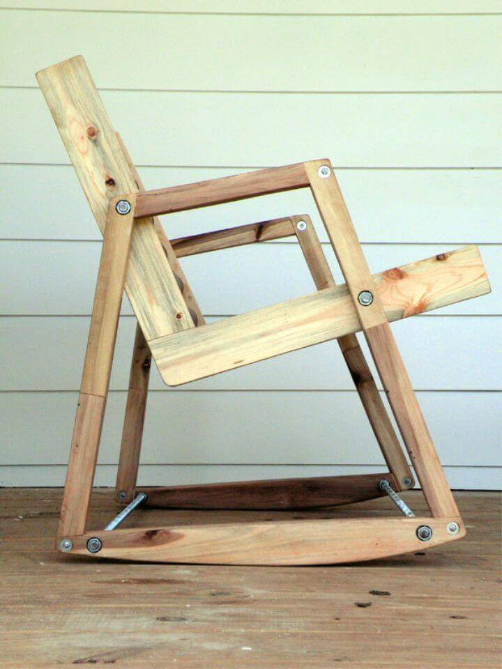 How to Build a Pallet Chair 1