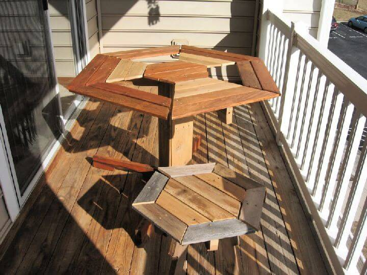 Inexpensive DIY Broad Pallet Patio Furniture