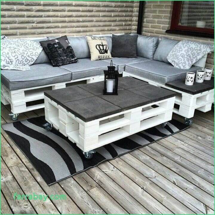 Pallet Table and Sofa for Patio
