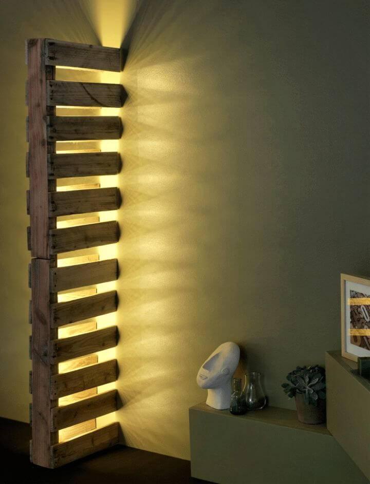 Simple DIY Wall Pallet Lamp