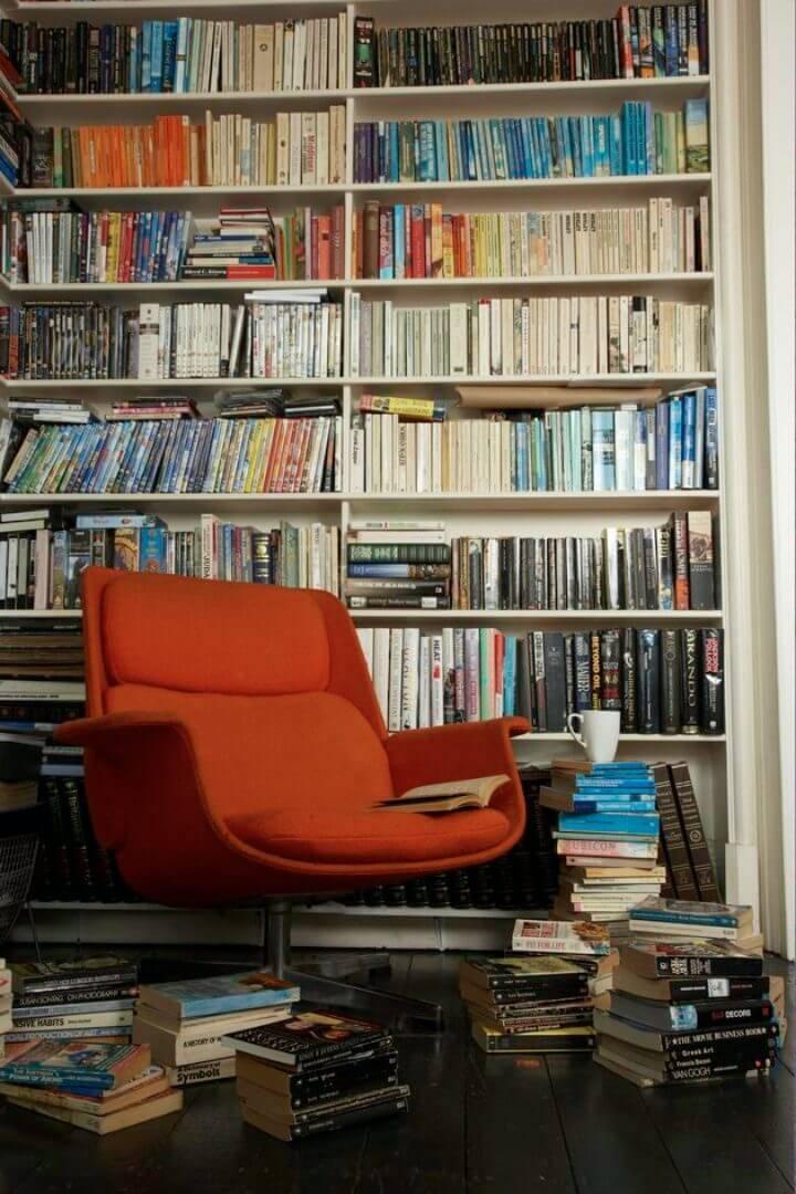 Adorable DIY Bookshelf Chair