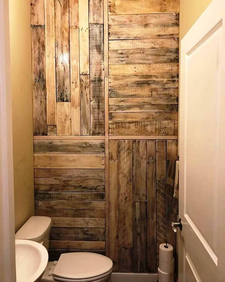 Bathroom white washed pallet wall