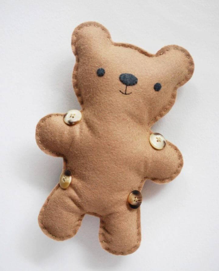 DIY Felt Dress up Bear
