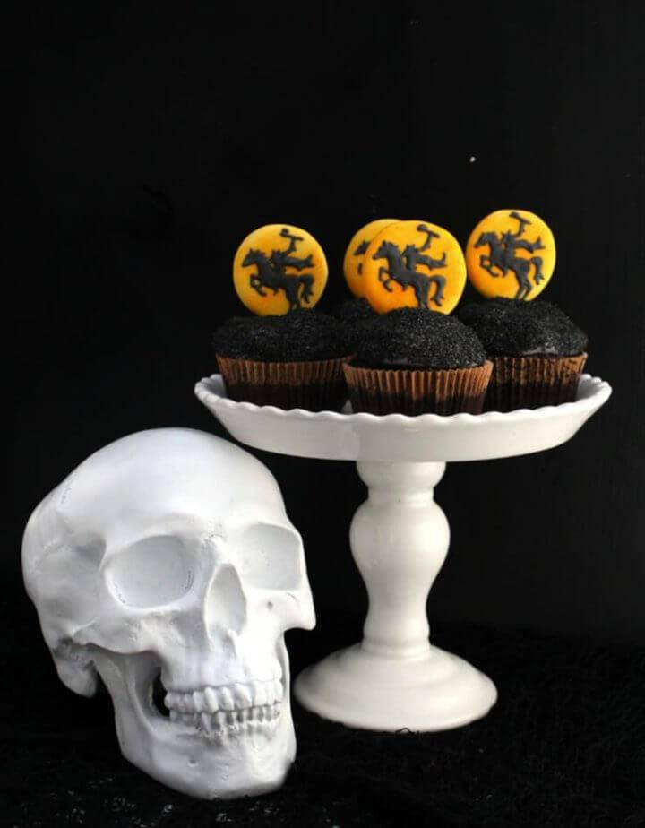 DIY Headless Horseman Cupcakes
