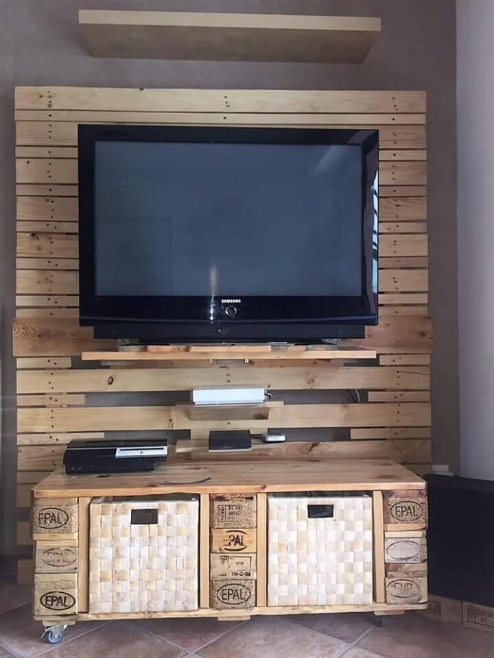 DIY Pallet Entertainment Center Tutorial