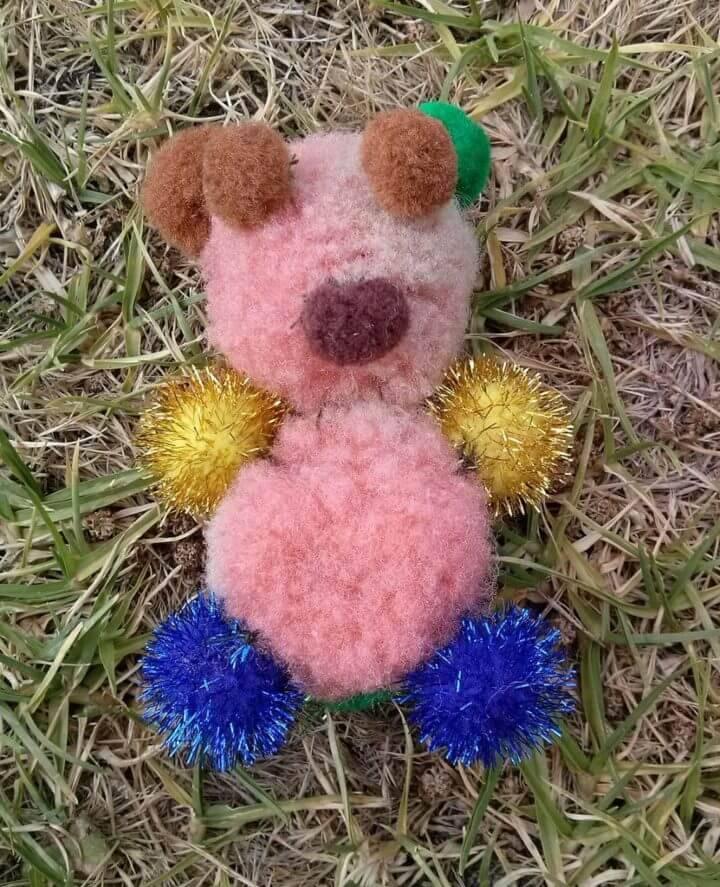 DIY Pom Poms Teddy Bear