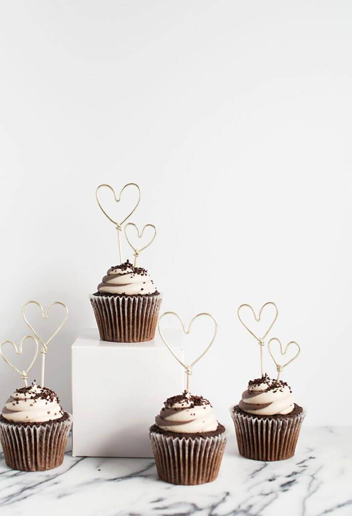 Easy DIY Wire Heart Cupcake Toppers