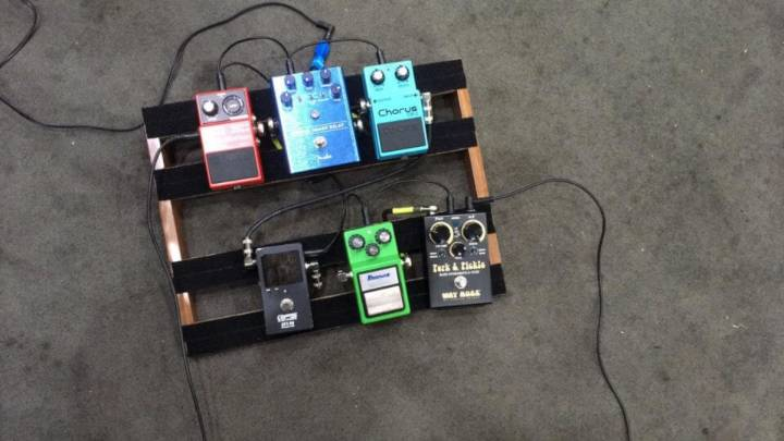 Easy and Simple DIY Pedalboard