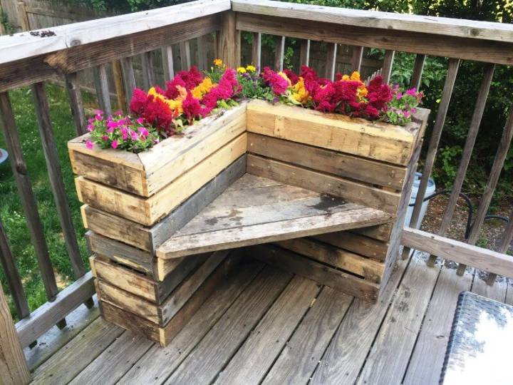 Pallet Flower Box Bench