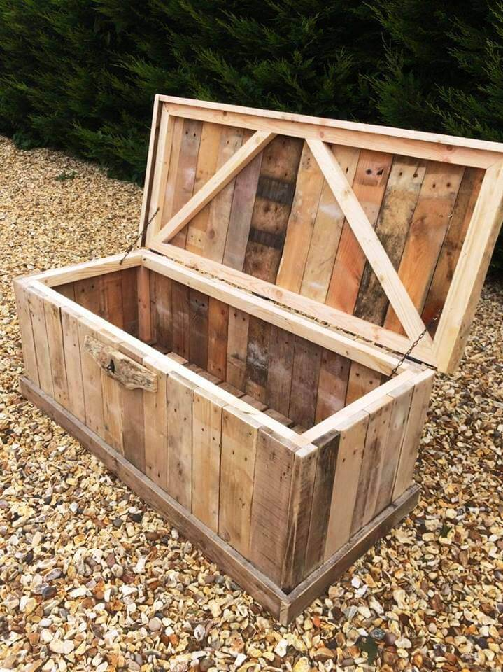 Wooden Pallet Storage Box for Bedroom