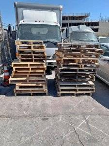 Check for free pallets from the distribution center