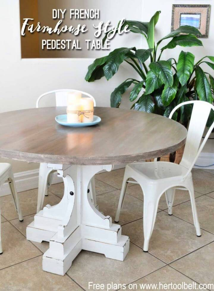 DIY Farmhouse Style Coffee Round Table