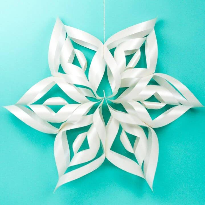 DIY Giant 3D Paper Snowflakes with Cricut