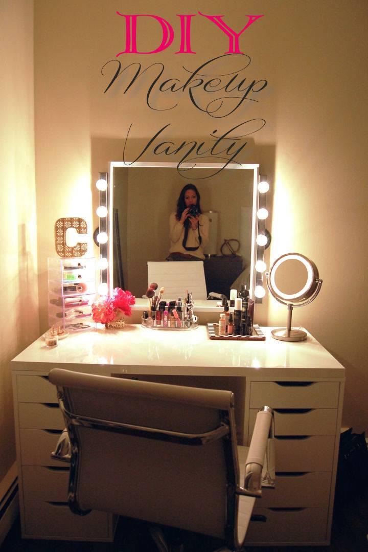 DIY Easy Makeup Vanity