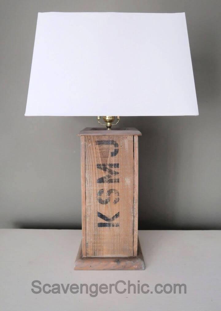 DIY Pallet Wood Lamp