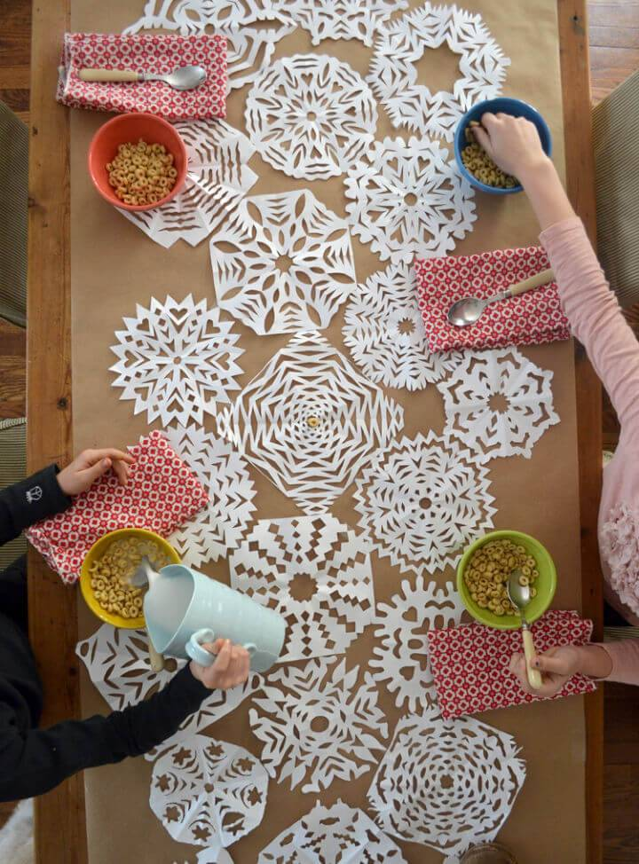 DIY Paper Snowflakes Table Runner