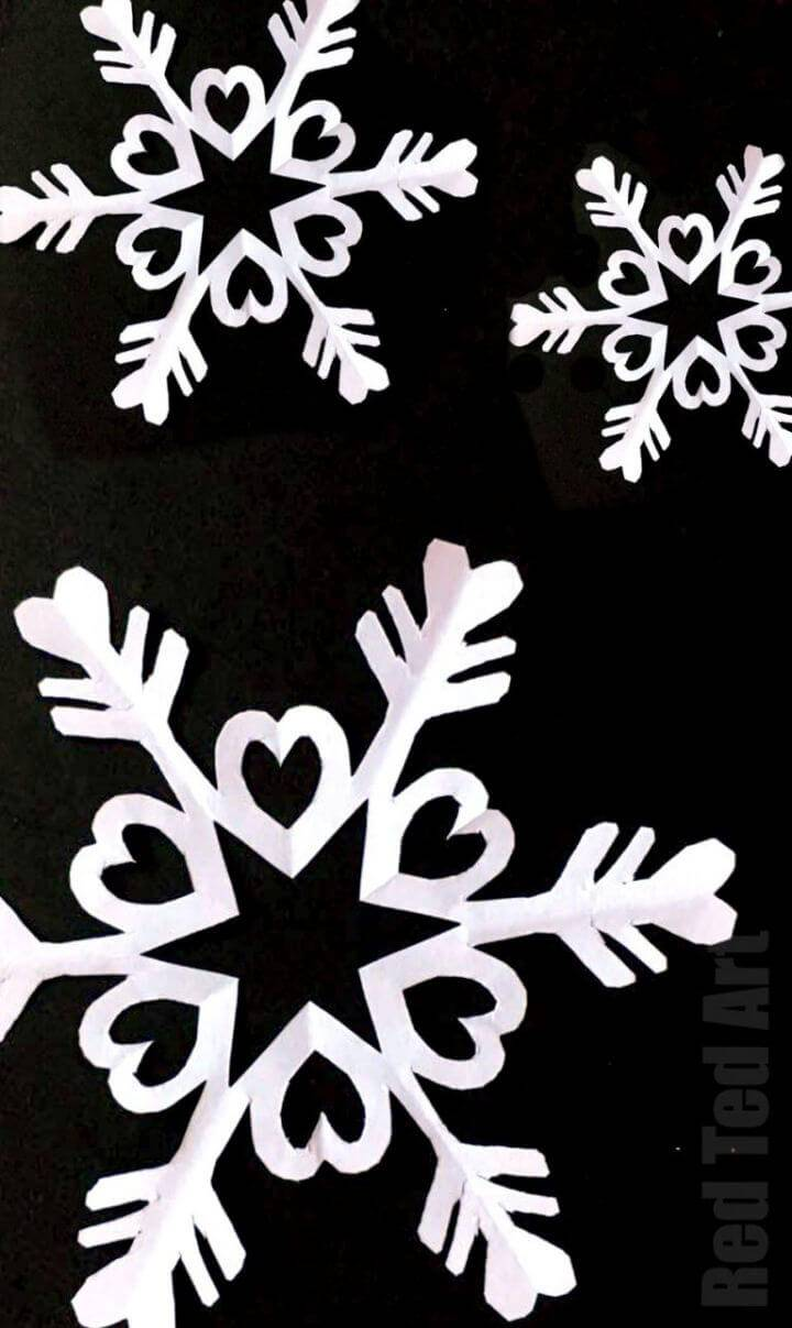 DIY Six Pointed Snowflake