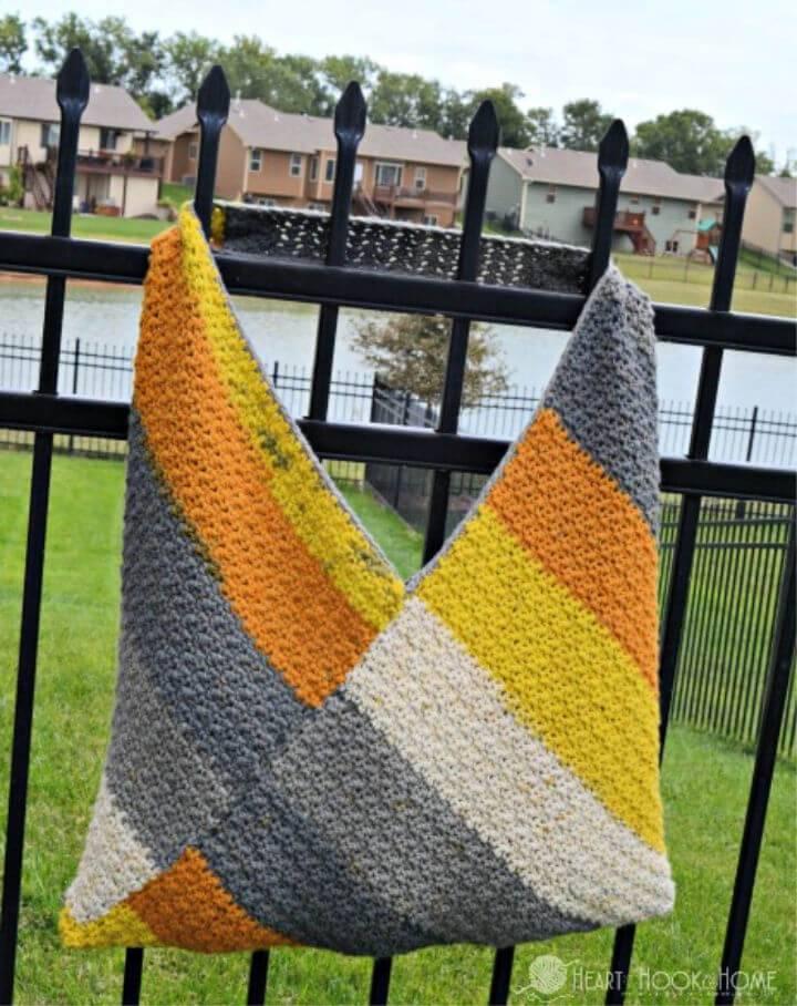 Free Crochet Caron Big Cake Bag