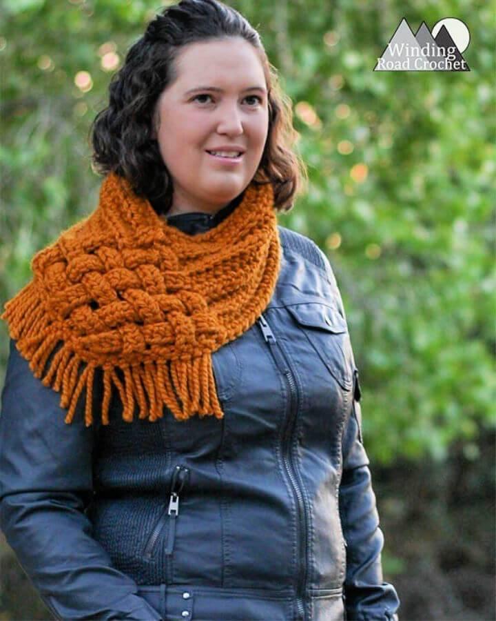 Free Crochet One Skein Woven Cowl Pattern