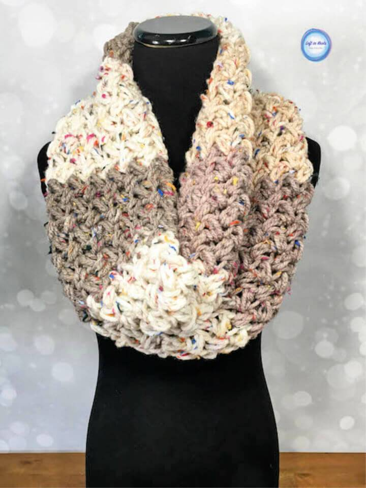 Free Crochet Sprinkles Cowl Pattern