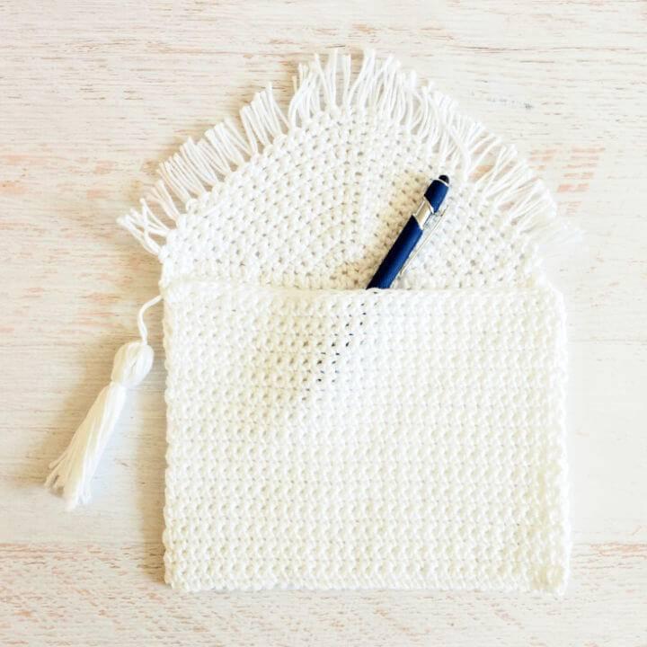 How to Crochet Fringe Clutch Pattern