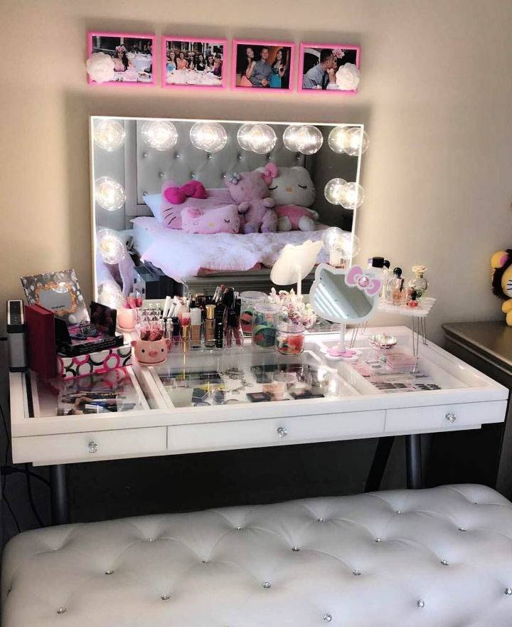 Kitty Havens Makeup Vanity
