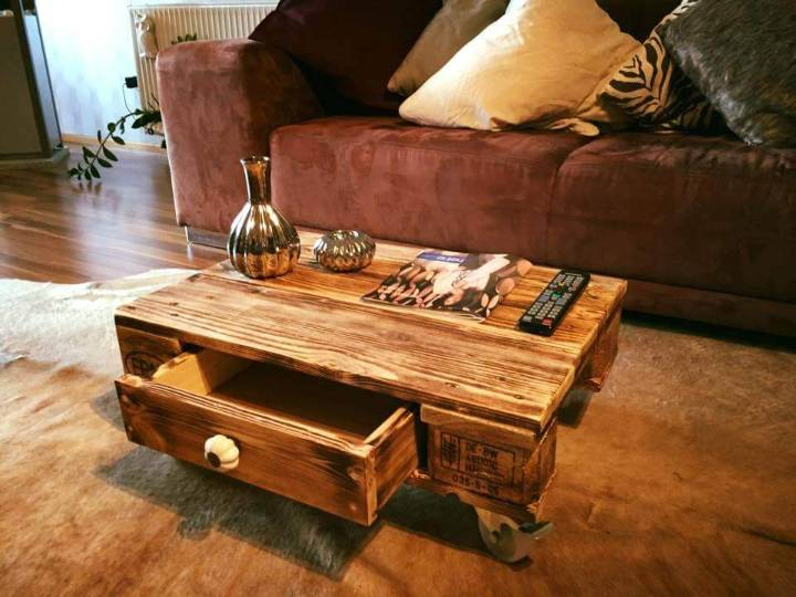 Pallet Coffee Table with One Drawer
