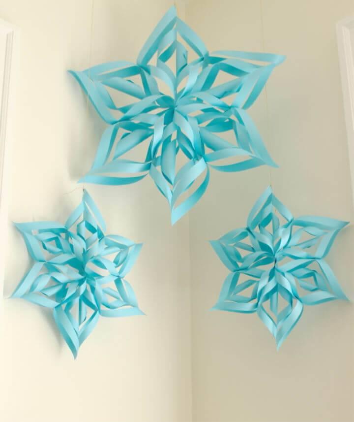 Pretty DIY Paper Snowflakes