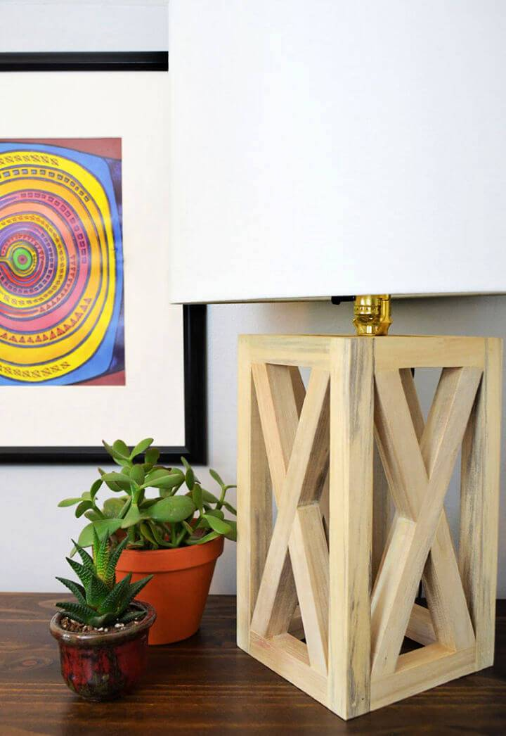 Simple and Chic DIY Wooden Table Lamp