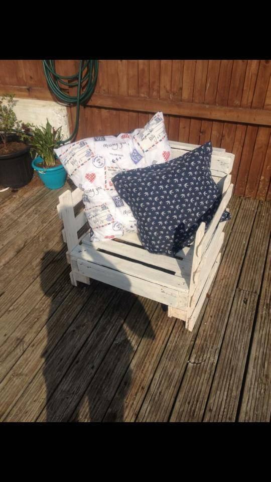 handmade pallet toddler chair