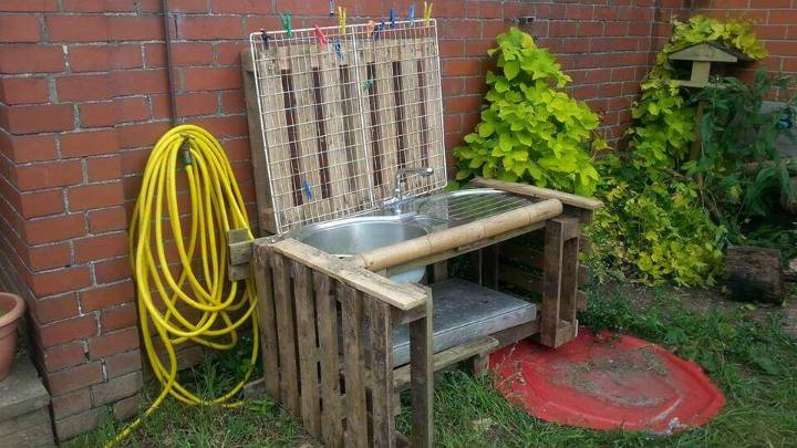 kids pallet mud kitchen