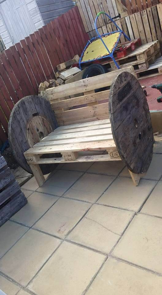 pallet and spool wheel bench