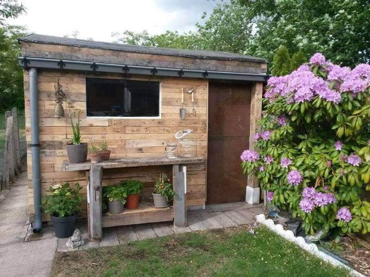 pallet outdoor cabin or house